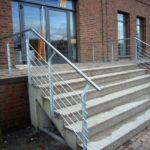 gbaa003 Treppengeländer verzinkt mit Edelstahlhandlauf - Außenanlagen