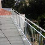 gbaa008 Verzinktes Balkongeländer mit Edelstahlhandlauf - Außenanlagen