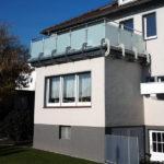 gbaa011 Balkongeländer aus Edelstahl mit Glassichtschutz - Außenanlagen