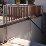 gbeb016 Kelleraufgang mit Brüstungsgeländer aus Holz und Edelstahl