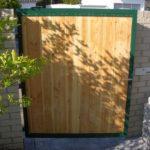 gbto008 Verzinkte Tür mit Holz-Sichtschutz - Tore, Türen & Zäune